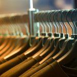 大人のメンズファッションを素敵に見せるカットソーの選び方と使い方とは?