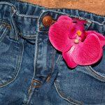 夏のジーンズはあり?暑苦しく見せない方法とは?